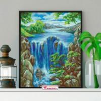 "Картина стразами ""Водопад среди скал"""